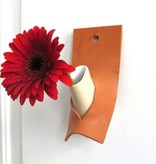 Atelier Oker Bloemvaasje DO in keramiek en leder