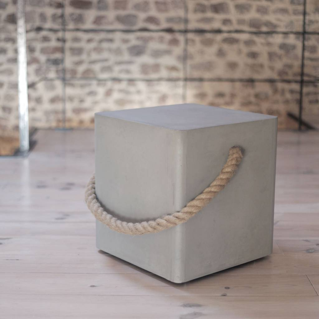 Lyon Béton Edge wheels & rope stool