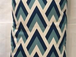 Made by Mimi Kussen print pijlen blauw 48x25