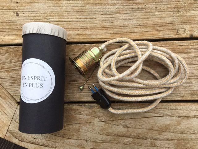 Un Esprit en Plus Snoerlamp linnen met trekschakelaar