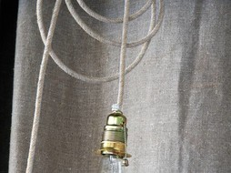 Un Esprit en Plus Fabric wired lamp Linen woven