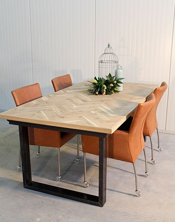 La Boutique Blanche Dining table Metallic - Copy