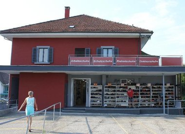 Laden in Aesch LU