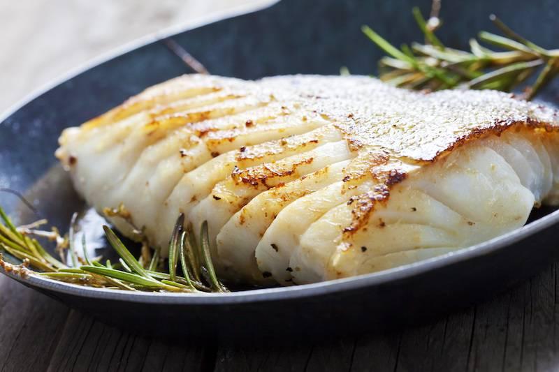 Aardappel-kabeljauwtaart met wortel en broccoli luxe