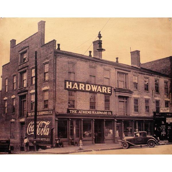 Original, vintage photograph depicting New York
