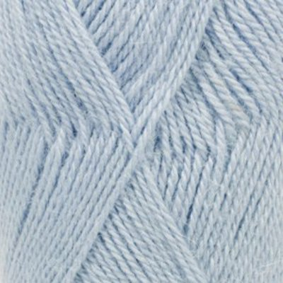 Drops Alpaca lichtblauw (6205)