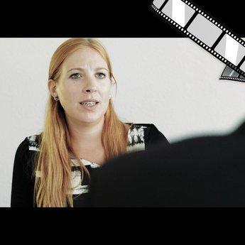 """szenisches Video """"Was weiß das Netz über dich? (Frau)"""""""