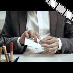 """Video """"USB-Stick per Post versenden"""" szenisch"""