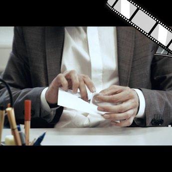 "szenisches Video ""USB-Stick per Post versenden"""
