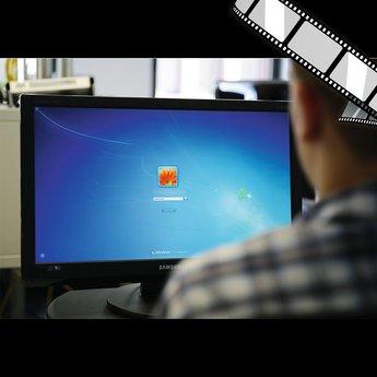 """szenisches Video """"Hacking von trivialen Kennwörtern"""""""