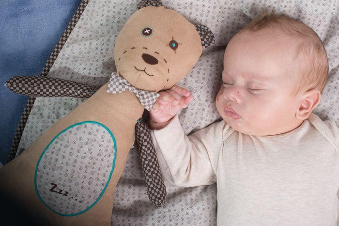 myHummy uyku sensörlü çocuk