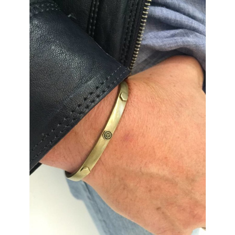 THE BOLD RIVET CUFF 6,5MM - BRASS
