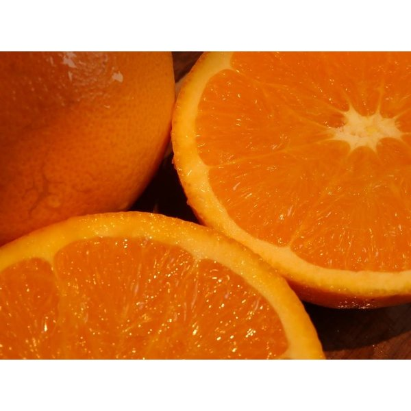 1 Kg Fresh oranges straight from the tree
