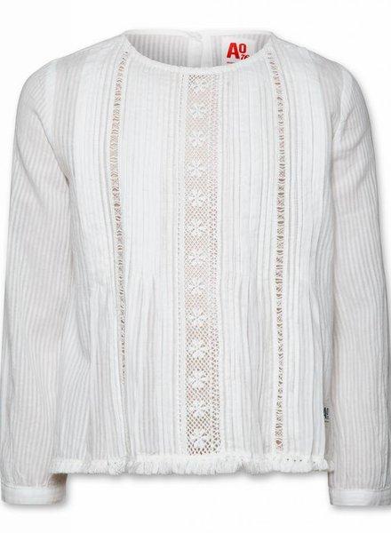 AO76 Wit hemdje