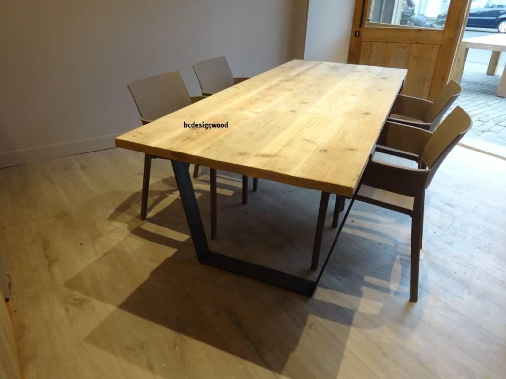 Tafel Metalen Onderstel : Tafels in steigerhout een eyecatcher voor uw leefruimte