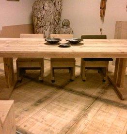 steigerhouten tafel brixtoon