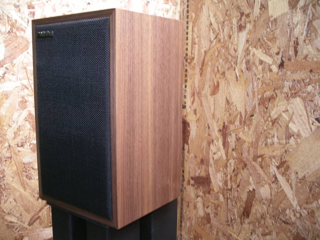 Stirling Broadcast LS3/5a monitor