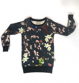 New Flowers  / Sweater Dress