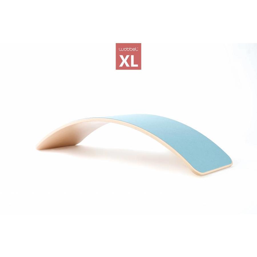 Wobbel XL blank gelakt