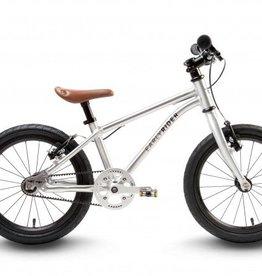 Earlyrider Belter 16 pedal bike