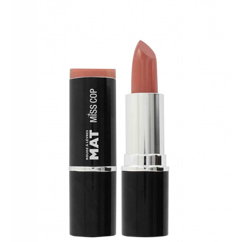 Powder nude lips