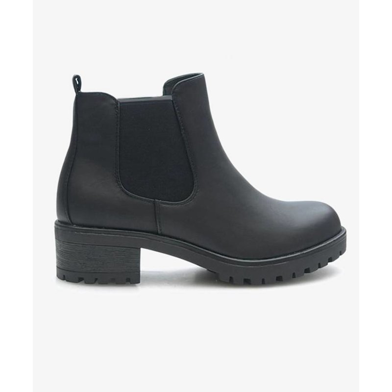 Powder Black Boots