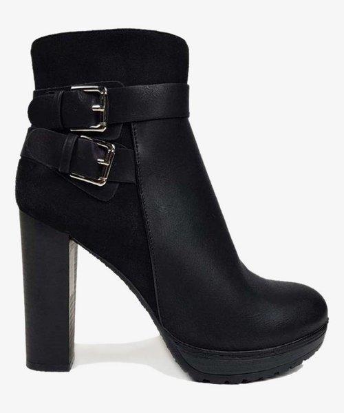 Classy heels black