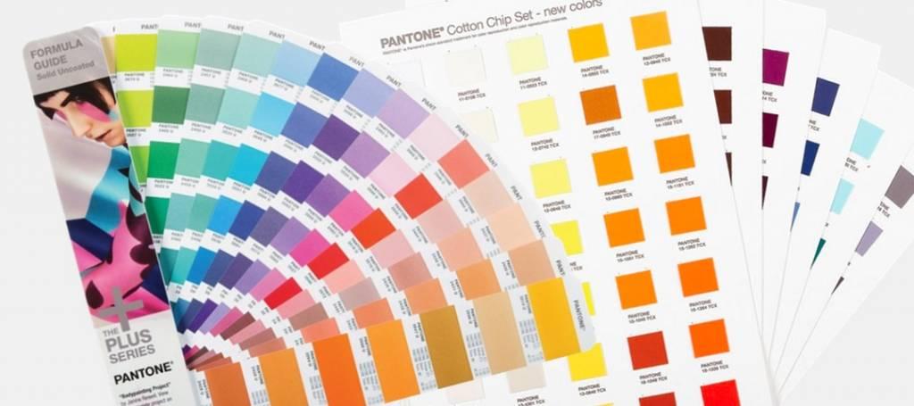 kleurwaaiers, -stalen en -boeken