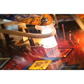 BEE Bee StarPost light