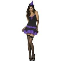 Sexy paarse heksenkostuum vrouw