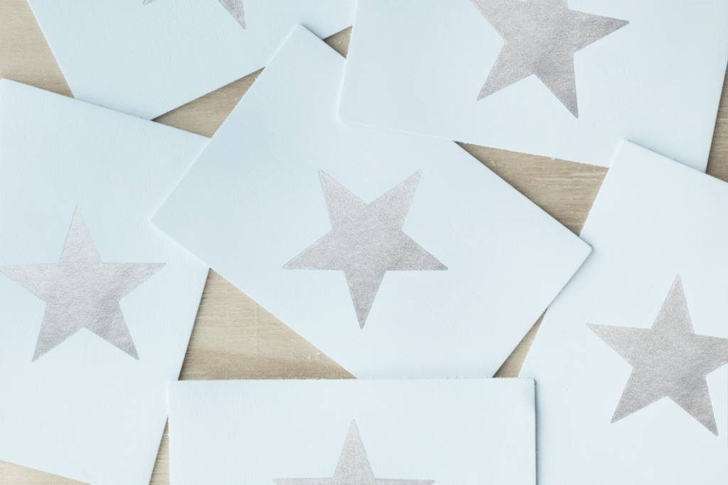 Atelier Jacques The Silver Star - Lederen postkaart met een zilveren folie ster.