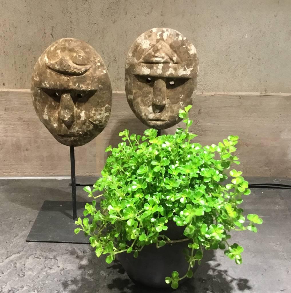 De Appelgaard Maskers op standaard