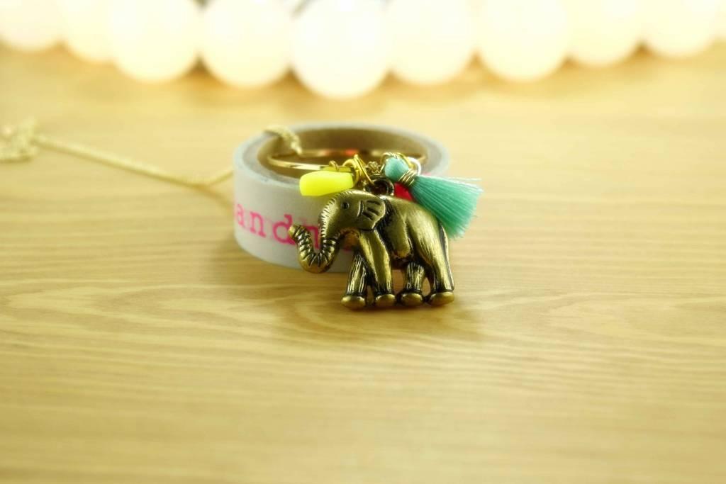 "Cute Clay ""Elefant am Ring"" -Kette"