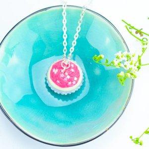 "Cute Clay ""Sternchen-Cupcake"" neonrosa - Kette"