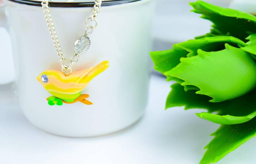 """Cute Clay """"Der Vogel auf dem goldenen Ast II"""" - Kette"""