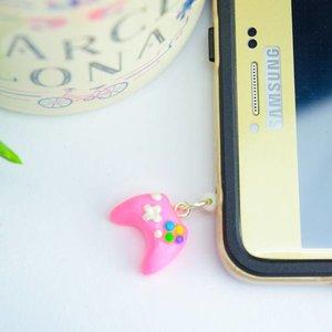 """Cute Clay """"Controller pink""""-Dust Stopper & Schlüsselanhänger"""
