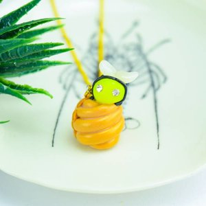 """Cute Clay """"Honigbiene Frieda"""" - Kette"""