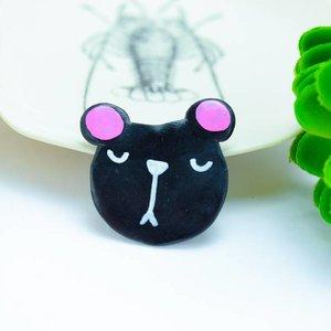 "Cute Clay ""Grumpy Bear"" - Brosche"