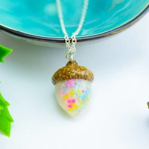 "Cute Clay ""Colorful Acorn"" - Kette"