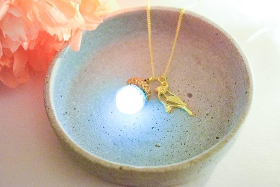 """Cute Clay """"Birdie & Acorn (leuchtet im Dunkeln)"""" - Kette"""