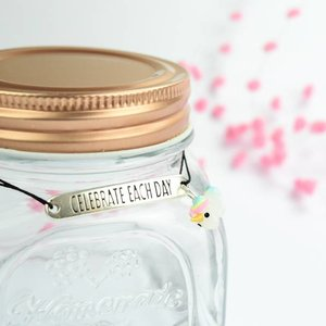 "Cute Clay ""Celebrate each day"" - Armband"