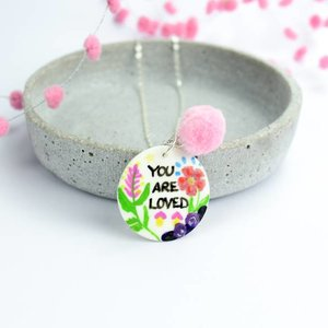 "Cute Clay ""You are loved"" - Spruch-Kette"