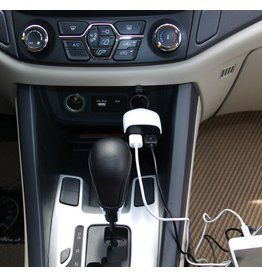 Fast Dual USB Car Charger met Low voltage warning