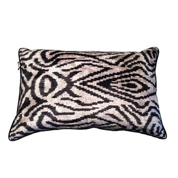 ROUGH RUGS The Jane Seymour Pillow 2.0