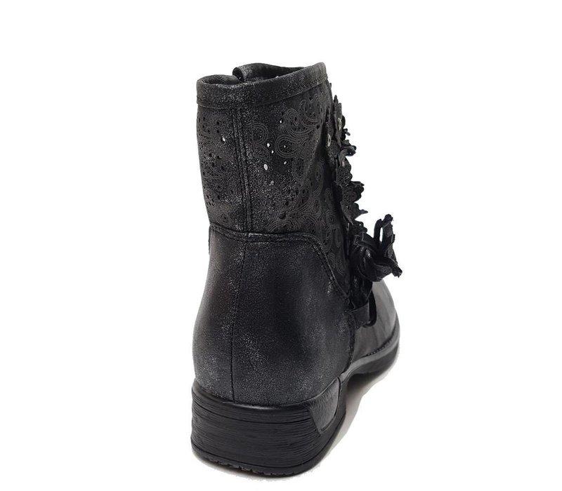 Wear it black