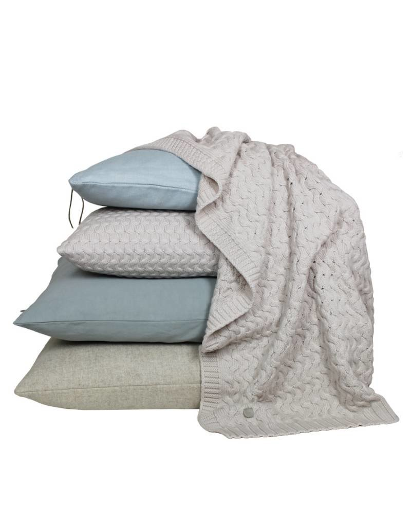 Set Of Cushions And Throw In Natural And Blue Tones