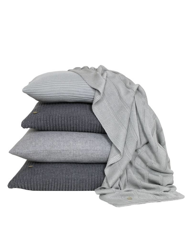 Set Of Cushions And Throw In Grey Tones