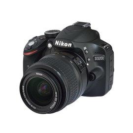 Nikon Occasion: D3200 + AF-S18-55 VRII