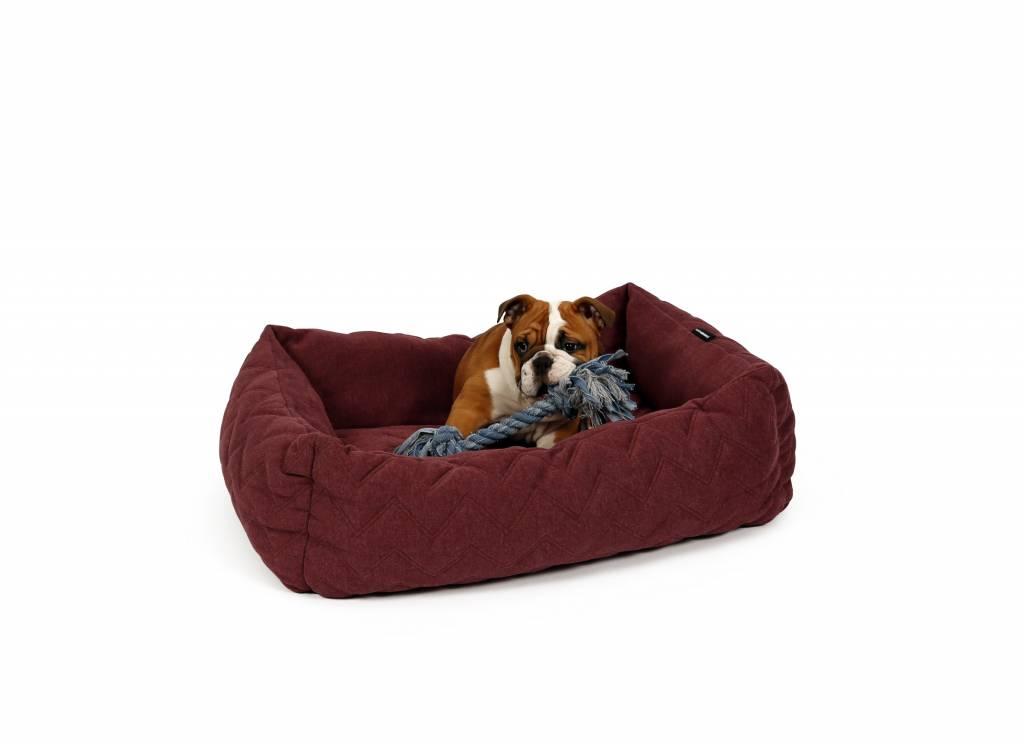Design Voor Honden : Zachte helsinki design hondenmand in donker rood max luna