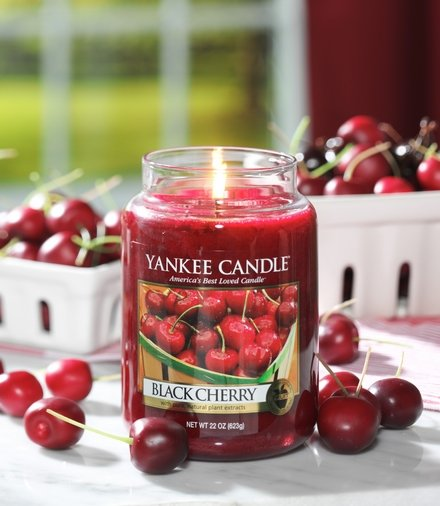 Yanke Candle Black Cherry Large Jar